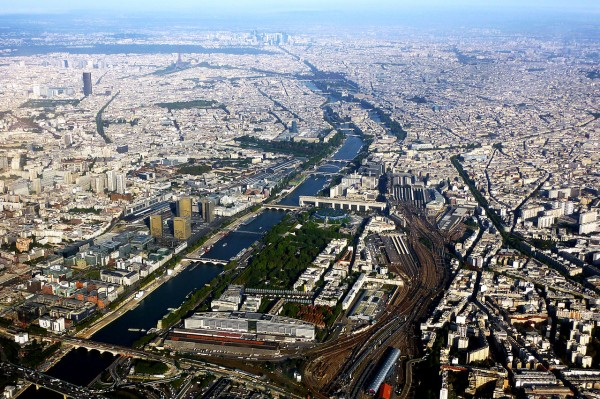 1280px-Bercy,_Paris_01